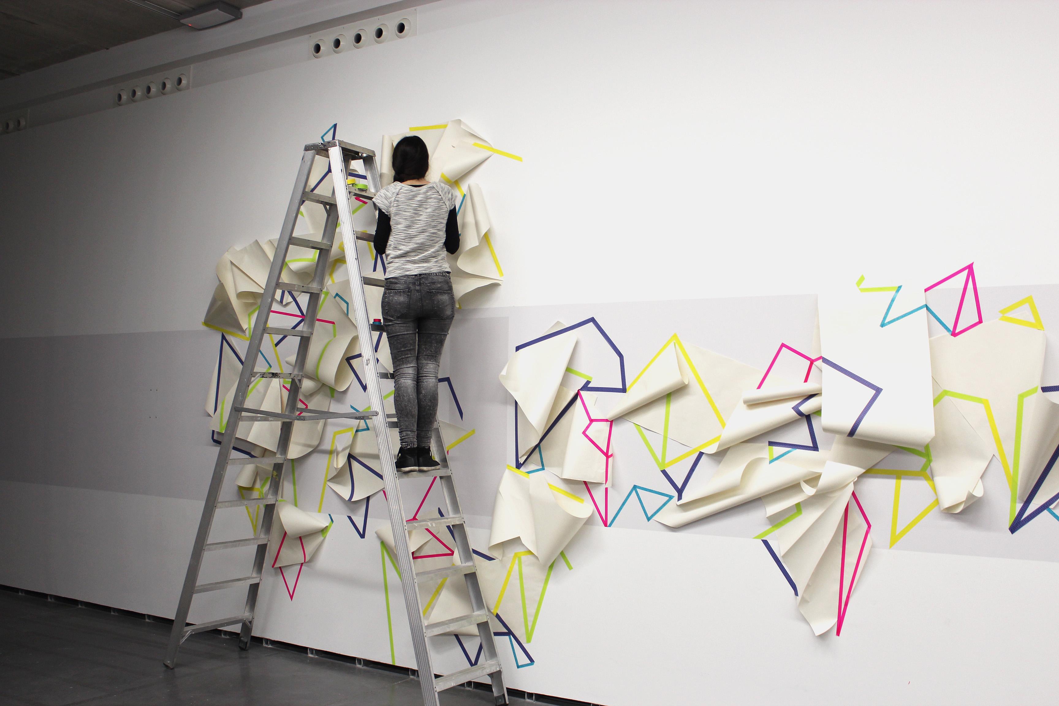 """""""A punto de caer. Instalación"""" (Imagen de proceso). 2017."""